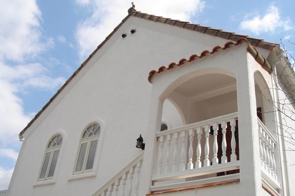 志摩を楽しむ白い家
